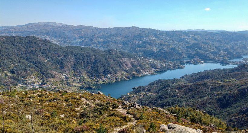 Serra do Gerês, Vista Albufeira da Caniçada