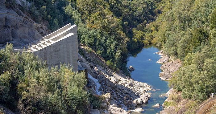 Túnel de saída de água - Barragem da Caniçada, Paradela - Valdosende