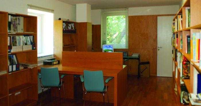 Biblioteca - Centro de Educação Ambiental do Vidoeiro - Gerês