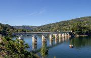 Ponte sobre Albufeira da Caniçada, Rio Caldo - Gerês