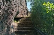 Fraga Negra, Escada, Pedra