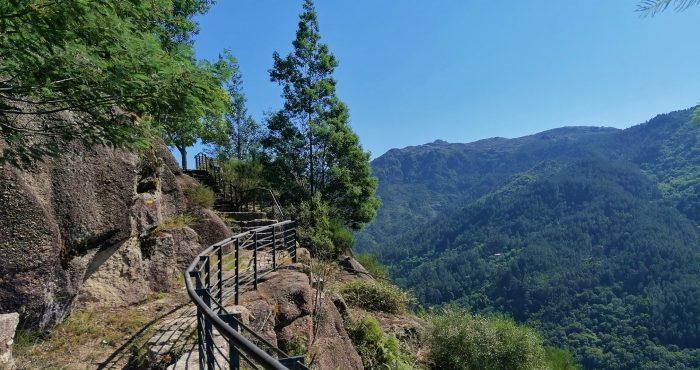 Miradouro da Fraga Negra, Escarpa, Serra