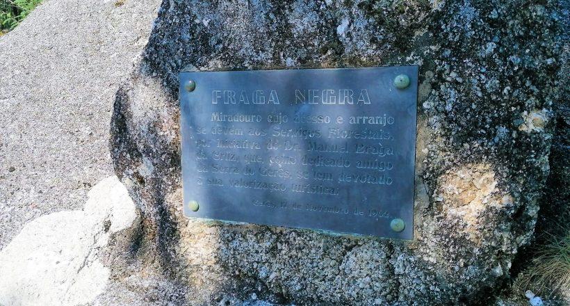 Miradouro da Fraga Negra, Placa