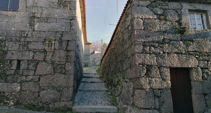 Aldeia de Brufe, Rua Típica