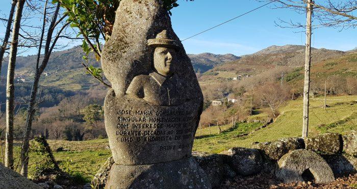 Aldeia de Brufe, Estátua