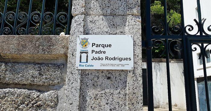 Parque S.Bento. placa Pe. João Rodrigues